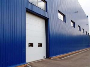 Промышленное здание с отделкой профнастилом