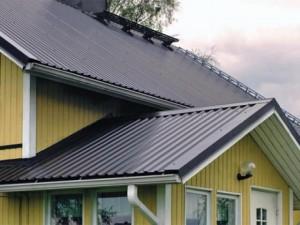 Пример крыши покрытой профнастилом