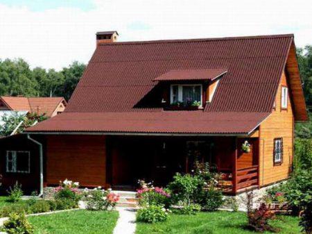 Крыша дома покрытая ондулином