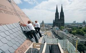 Укладка сланцевой плитки на крышу