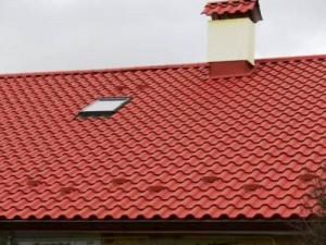 Готовая крыша покрытая металлочерепицей